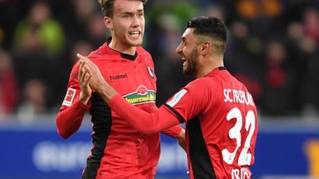 Luca Waldschmidt (l) vom SC Freiburg kann sich vorstellen, in Zukunft für den SC Freiburg zu spielen.