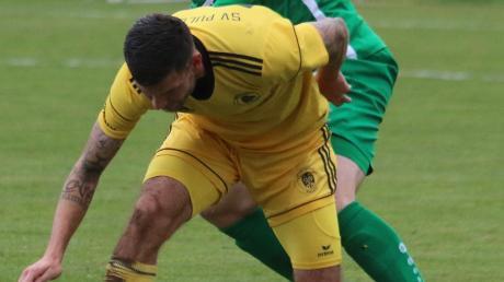Traf fünfmal für den TSV Nördlingen: Simon Gruber (in grün).