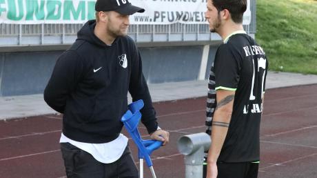 Tobias Jorsch (links) und Marc-Abdu Al-Jajeh haben beim FC Affing bis 2021 als Spielertrainer verlängert.