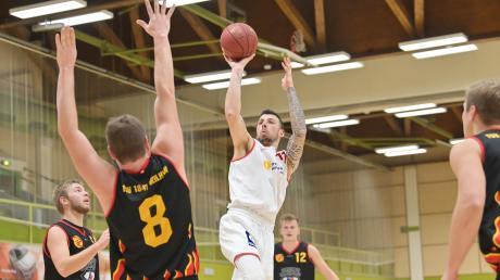 Die Nördlinger Basketballer (im Bild Robin Seeberger) müssen gegen Augsburg ran.