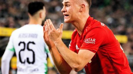 Joshua Kimmich hadert mit dem Spiel der Bayern im Borussia-Park.