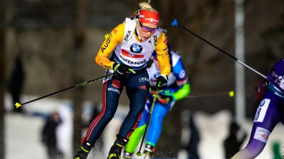 Die deutschen Biathletinnen haben zum Abschluss des Auftakt-Weltcups in Östersund mit der Staffel das Podium knapp verpasst.