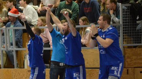 Nach einem schwachen Start durften die Kissinger Handballer doch noch über einen 25:19-Sieg gegen Aichach jubeln.