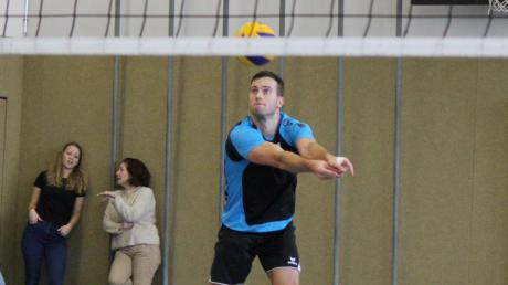 Thomas Wolf und die Inchenhofener Volleyballer überwintern auf Platz drei der Bezirksklasse Oberbayern I. Am letzten Spieltag des Jahres gab es zu Hause einen Sieg und eine Niederlage.