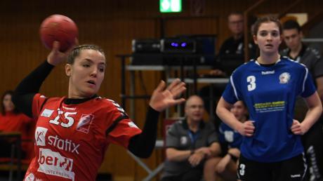 Eine Bank im Günzburger Rückraum und vom Siebenmeter-Punkt: Martina Jahn. Gegen Stadeln traf sie vier Mal.