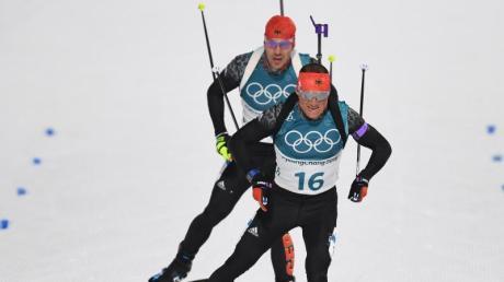 Machen sich Gedanken über die Zeit nach der Biathlon-Karriere: Erik Lesser (vorn) und Arnd Peiffer.