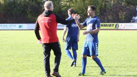 Jürgen Schmid (links) hört als Trainer des TSV Dasing im Sommer auf. Nachfolger wird sein guter Freund Frank Mazur (aktuell Alsmoos-Petersdorf).