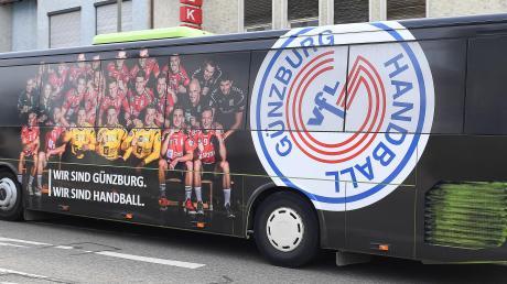 Der schmucke Günzburger Handball-Bus soll am Samstag wieder einmal zur Partyzone werden. Voraussetzung ist ein Sieg der Bayernliga-Spielerinnen bei der heimstarken HG Zirndorf.