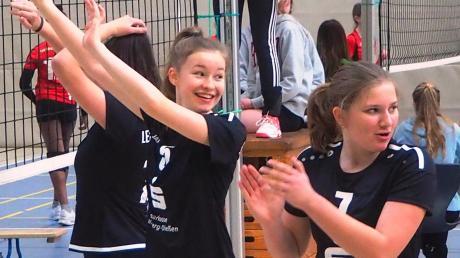 Sophie Zellhuber, Tabea Straube und Marie Dressler (von links) freuen sich auf die Kreismeisterschaft in Landsberg.