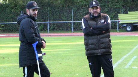 Trainer Burak Tok (links) und Teammanager Mehmet Celik (rechts) hoffen, dass ihrem Team noch der Sprung auf einen Relegationsplatz gelingt.