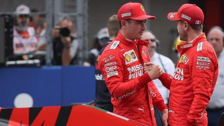 Charles Leclerc (links) wird noch lange für Ferrari fahren, der Vertrag seines Teamkollegen Sebastian Vettel läuft dagegen Ende 2020 aus.