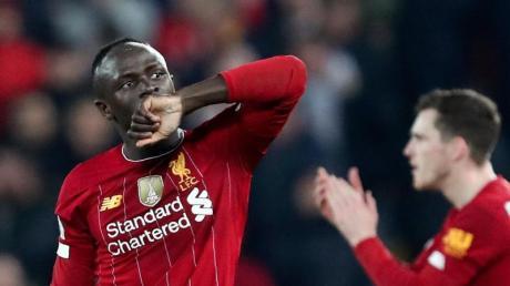 Liverpools Sadio Mane (l) schoss das einzige Tor der Partie.