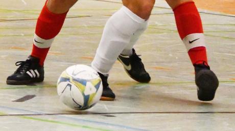 Am Sonntag findet in Fürstenfeldbruck die Zugspitzmeisterschaft im Futsal statt. Mit dabei sind der FC Penzing und der VfL Denklingen.