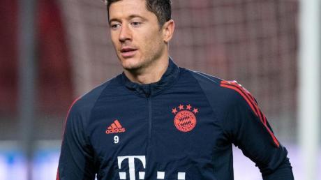 Fährt nach seiner Leistenoperation nicht mit ins Trainingslager von Bayern München: Robert Lewandowski.