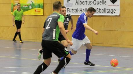 Sie werden bei der Augsburger Kreismeisterschaft am Dreikönigstag schon in der Gruppe wieder aufeinandertreffen: Loris Horn (Nummer 2) und Maximilian Heiß vom FC Stätzling und Valentin Enderle von den Sportfreunden Friedberg.