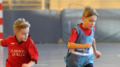 Der Ball rollt weiter bei den Futsal-Hallentagen in der Dasinger Schulsporthalle. Die E-Junioren bilden am Montag den Abschluss – zuvor stehen noch die Landkreis-Endrunden der F1-Junioren und der B1-Junioren auf dem Programm.