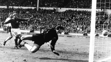 Hans Tilkowski stand im WM-Finale 1966 im Wembley-Stadion im Tor der deutschen Nationalmannschaft.