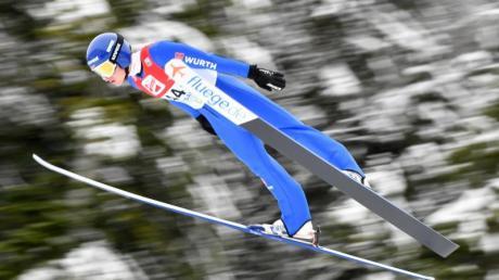 Die nordische Ski WM ist das Highlight der Saison 20/21 in der nordischen Kombination (im Bild Manuel Faißt). Termine, Rennkalender und Zeitplan des NoKo-Weltcups finden Sie hier.