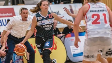 Ein Bild mit Symbolcharakter: Xcyde-Kapitänin Laura Geiselsöder weiß, dass ihr Coach Ajtony Imreh mit voller Energie hinter ihr steht.