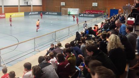 Fußball satt war bei den Hallentagen des SV Wörnitzstein-Berg geboten. 103 Teams waren insgesamt im Einsatz.