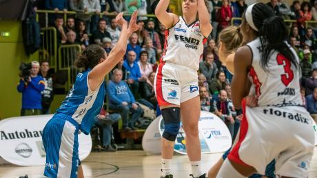 Kapitänin Laura Geiselsöder trug zusammen mit ihrer Schwester 41 Punkte zum Sieg der Xcyde Angels gegen Heidelberg bei. Zu Beginn der Partie gab es ein Offensivspektakel.