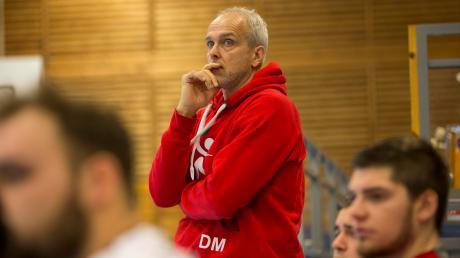 Trainer Dirk Meier nervt es inzwischen gewaltig: Immer wieder bringt sich seine Mannschaft wegen eines Durchhängers um den eigentlich verdienten Lohn.