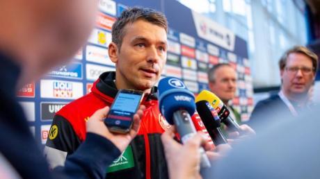 Handball-Bundestrainer Christian Prokop stellte sich in Wien den Fragen der Journalisten.