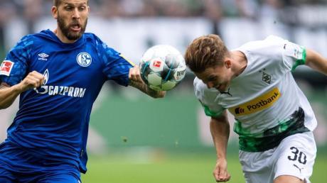 Der FC Schalke 04 und Borussia Mönchengladbach eröffnen mit der Freitagspartie die Rückrunde der Bundesliga.