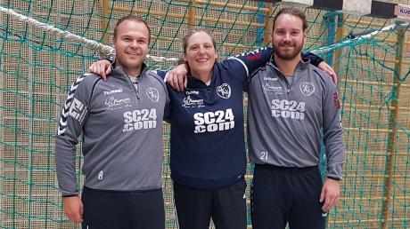 Macht die Niederraunauer Torhüter besser: Sylvia Harlander mit Armin Hessheimer (links) und Maximilian Jekle.