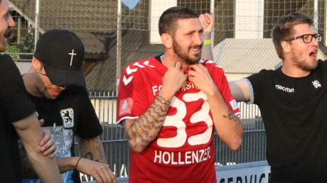 Bei der Meisterfeier mit den Löwen in Pipinsried trug Sascha Mölders das Trikot der Pipinsrieder Ersatztorhüters Sebastian Hollenzer. Gut möglich, dass der frühere Bundesligaspieler im Sommer wieder ins FCP-Trikot schlüpft.