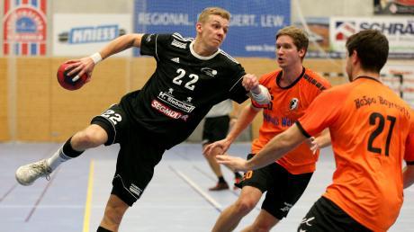 Auf Timo Riesenberger (links) und die Friedberger Handballer wartet eine schwere Aufgabe. In Lohr treffen die Herzogstädter auf die zweitbeste Abwehr der Bayernliga.