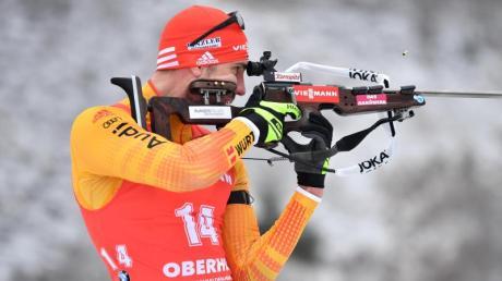 Biathlon 2019/2020 - Gesamtstand am 18.01.2020: Gewinner und Ergebnisse. Heute lief es für die deutschen Männer nicht optimal. Am Schießstand: Arnd Peiffer.
