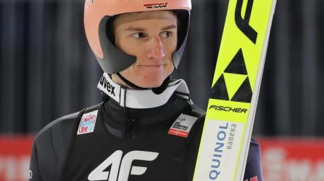 Kam nach Sprüngen auf 132,5 und 135 Meter nicht über Rang zwölf hinaus: Karl Geiger.
