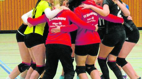 Da war die Freude groß: Die Kleinaitinger Volleyballerinnen siegten gegen München-Ost mit 3:0 und bauten ihren Vorsprung auf Platz zwei aus.