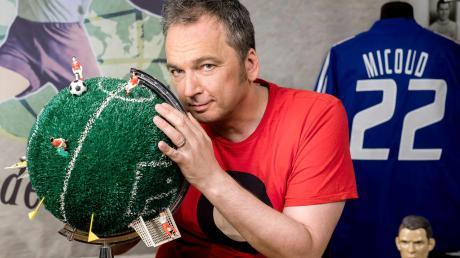 """Arnd Zeigler, Autor und Moderator, kommt mit seiner """"wunderbaren Welt des Fußballs"""" nach Kempten."""