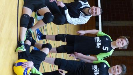 Die U13-Buben mit den Trainern Uwe Bachmann und Birgit Kosiurak.