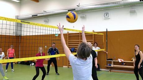 Beim TV Mering wird nun die Sportart Cachibol trainiert.