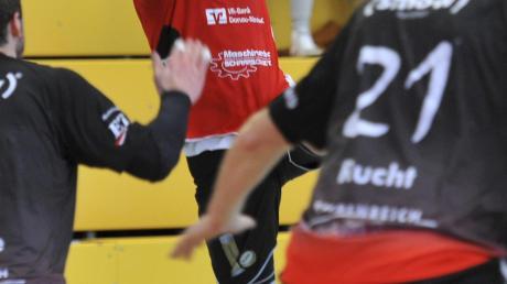 Mit links auf Torejagd: Gundelfingens Tobias Hander (Bild) glaubt weiter an sein Team – trotz der Roten Landesliga-Laterne.
