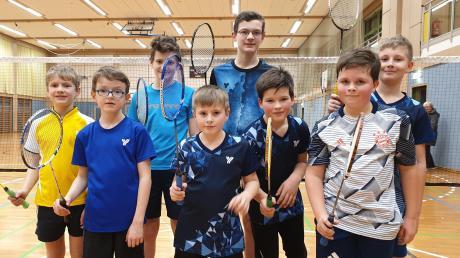 Die Badminton-Junioren des TSV Mindelheim starteten gut ins neue Jahr (Von links): Elias Ginter, Nathan Rudolf, Noah Ginter, Samuel Winkelbauer, Jakob Ginter, Viktor Gutium, Luca Pongratz und Lennard Schaaf.