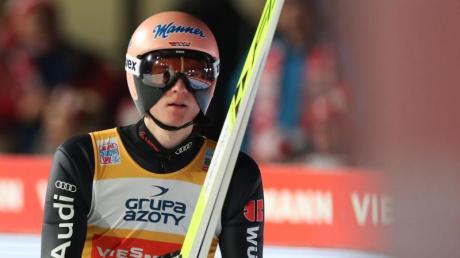 Karl Geiger sprang in Zakopane auf Rang fünf und verteidigte seine Führung in der Gesamtwertung.
