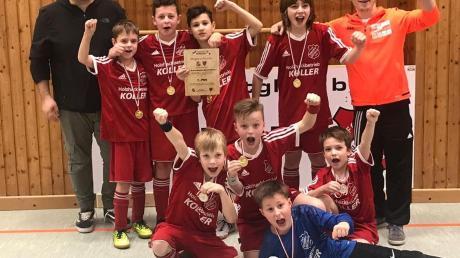 Jubel beim Gastgeber: Die SG Rennertshofen/Bertoldsheim gewann das E-1-Jugend-Turnier.
