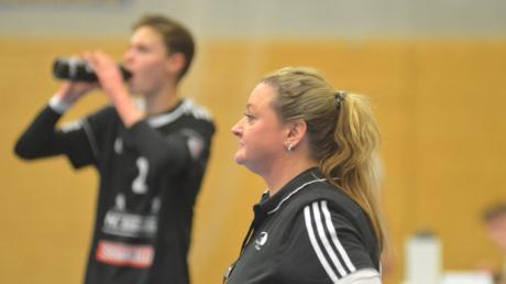 Sah nach drei Niederlagen wieder einen Sieg ihrer Mannschaft: Sandy Mair, Trainerin der A-Jugend des TSV Friedberg.