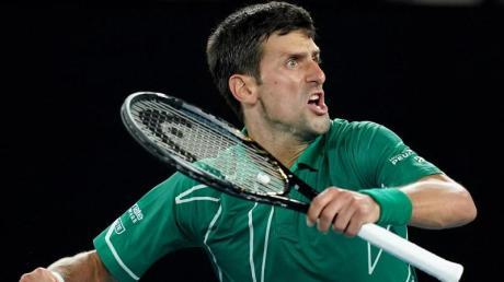 Novak Djokovic ballt nach seinem Sieg die Faust.
