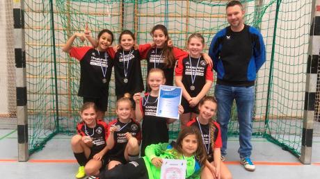 Die E-Mädchen des SV Mering wurden bei der Augsburger Kreismeisterschaft Zweite.
