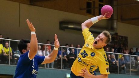 Christian Boppel (am Ball) will trotz seiner Blessuren heute gegen Haunstetten II spielen.