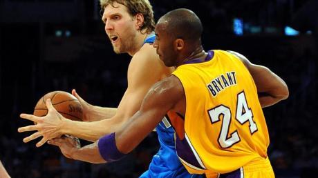 Dirk Nowitzki im Duell mit Lakers-Legende Kobe Bryant. Die Beziehung der beiden Superstars war von gegenseitigem Respekt geprägt.