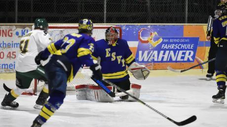 Für ihren souveränen und cleveren Einsatz wurden die Spieler des ESV Türkheim mit einem klaren und auch in dieser Höhe verdienten 7:1-Erfolg gegen den HC Mausstadt aus Memmingen belohnt.