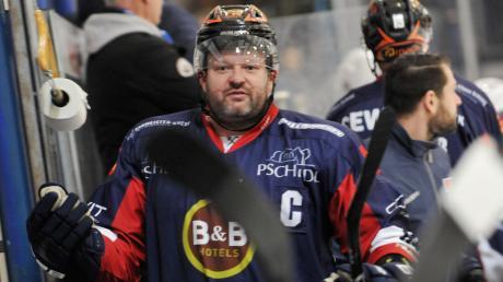 Kapitän Martin Jainz und seine Mannschaftskameraden gehen gegen Buchloe mit breiter Brust aufs Eis.