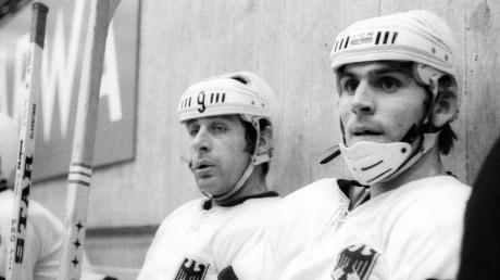 Ernst Köpf (links) im Nationaltrikot neben seinem Sturmkollegen Alois Schloder. Beide holten mit der Nationalmannschaft Bronze 1976 in Innsbruck.