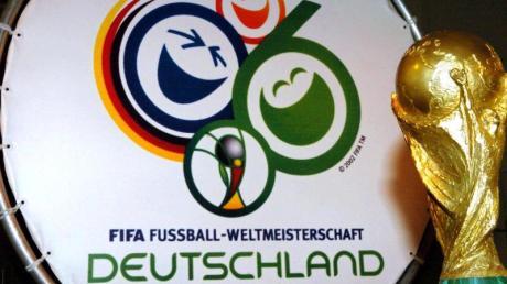 Die Fußball-WM 2006 wurde in Deutschland ausgespielt.